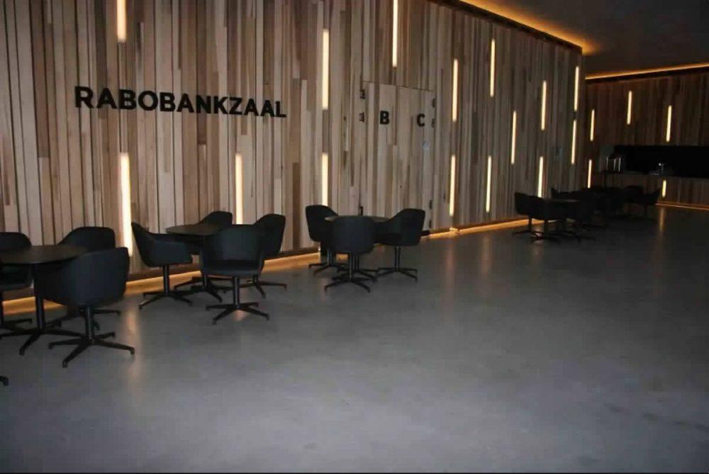 beton-cire-rabobank-zaal
